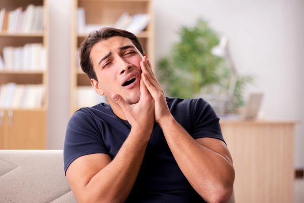 Options To Fix A Broken Tooth