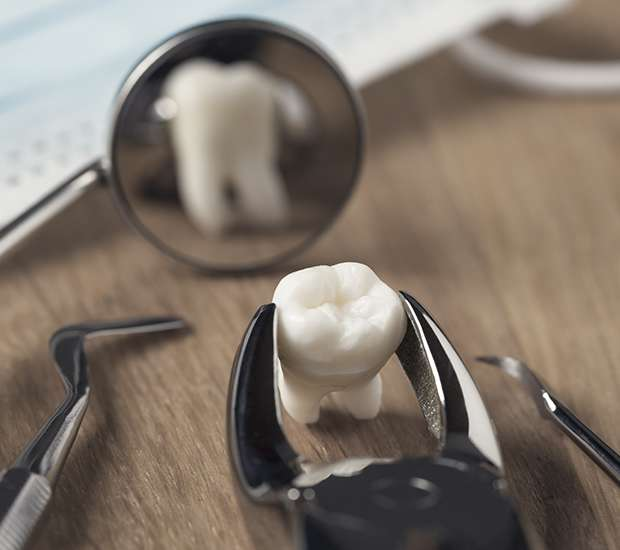 Dunwoody When Is a Tooth Extraction Necessary